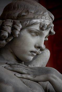the Monteverde angel, cemetary, Genoa, northern Italy Cemetery Angels, Cemetery Statues, Cemetery Art, Monteverde, Statue Ange, Greek Statues, Buddha Statues, Stone Statues, Greek Art