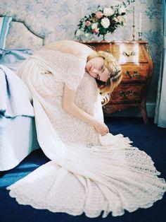 Scallop lace wedding dress   Veresk Fine Art Photography