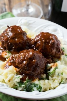 Low FODMAP and Gluten Free Recipe - Meatballs with pesto mash
