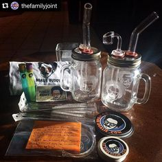 Calling all #colorado smokers: check out #dealiebuddy @thefamilyjoint a newly legal social #cannabis club in #coloradosprings it is #greatfuldead themed.  Thanks @spuninthesun for all that you do for our community #dealieatingthenation #dealie ---- We with these Awesome Mason Jar Rigs!!! Shout out to @domoredealie for hooking us up! Go check out this family-ran company and grab yourself one of these stellar pieces!  www.domoredealie.com