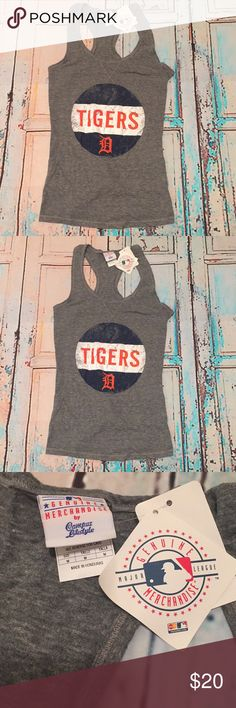 """Detroit tigers baseball Racer Back tank medium Detroit tigers official mlb merchandise women's Racer Back graphic tank top. Medium. Chest 30"""" length 28"""". 50% Polyester 37% cotton 13% Rayon. New with tags genuine merchandise Tops Tank Tops"""