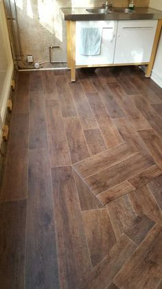 Portland Street, Hardwood Floors, Flooring, Tile Floor, Crafts, Wood Floor Tiles, Wood Flooring, Manualidades, Tile Flooring