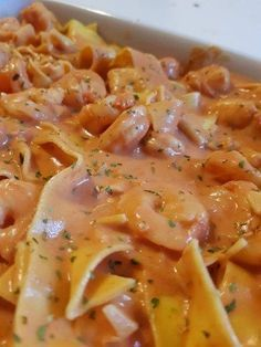 Tagliatelle with tomato-cream scampi - - Love Eat, Love Food, Pasta Recipes, Cooking Recipes, Dinner Recipes For Kids, Easy Healthy Recipes, Food Porn, Food And Drink, Stuffed Peppers