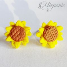 Flowers, Polymer Clay Creations, Polymer Clay, Ear Jewelry, Shapes, Fimo, Royal Icing Flowers, Floral, Florals