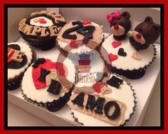 Ositos!! Cupcakes personalizados con mensaje, decorados con masa fondant.