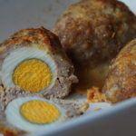 Chec de post cu visine | Retete culinare cu Laura Sava - Cele mai bune retete pentru intreaga familie Scotch Eggs, Deserts, Good Food, Cooking Recipes, Keto, Homemade, Breakfast, Ferrero Rocher, Salads