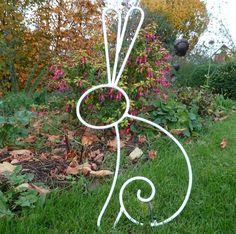 Lapin en fer forgé blanc pour décoration de jardin ou autre : Autres art par peps-et-top