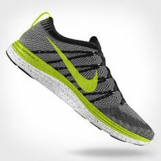 The Nike Flyknit Lunar1+ iD Running Shoe delivers the ideal blend of targeted support, breathability and springy response. With NIKEiD, you can choose from plenty of color options and customize it with a speckled paint design for the perfect look on your run