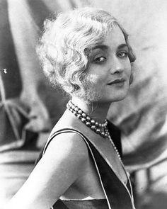 Những Chiếc V 225 Y Của Coco Chanel Những Năm 1920s Mũ Chu 244 Ng