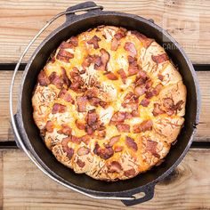 These Bacon Cheese pull aparts in the Dutch Oven are easy to make, they just take time to allow them to rise. Camping Meals For Kids, Camping Dishes, Camping Recipes, Camping Cooking, Oven Cooking, Camping Ideas, Camping Menu, Camping Foods, Skillet Cooking