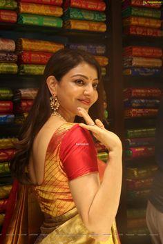 South Indian Actress Photo, Indian Actress Hot Pics, Actress Pics, Indian Actresses, Beautiful Girl In India, Beautiful Girl Image, Beautiful Saree, Beautiful Women, Beautiful Bollywood Actress