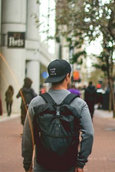 All I need is my snapback and backpack. The daily essentials.   Featured: Silent Pocket - Mind The Grid Snapback Hat.   silent-pocket.com