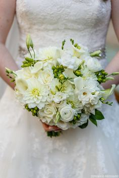 Elegant white bouquet: http://www.stylemepretty.com/2015/05/12/elegant-washington-d-c-hotel-wedding/ | Photography: Stephen Bobb Photography  - stephenbobb.com