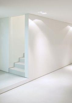 White Interior design, architect unknown _