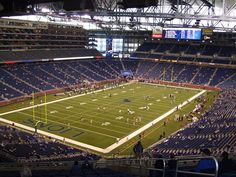 Detroit Lions Party Bus Info - Professional Football At Ford Field i want to come here so bad one day!