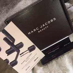 I was luck to receive the @marcbeauty #velvetnoir mascara in a VoxBox from @influenster. I really liked the mascara! It was very black and really lengthened my lashes. I did find that it clumped if you continued to put more layers without letter it fully dry. I would still recommend this mascara, great find! [product:marc-jacobs-beauty-velvet-noir-major-volume-mascara]