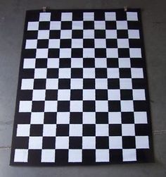 'Black and White Checkered Area Rug 5' x 7'