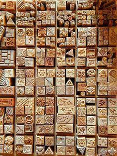 Tampons pour créer des impressions sur la poterie et la céramique