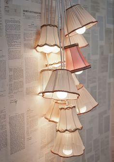 """Recycled DIY Style from Finland  Hieno idea....! Kirppiksillä näkee noita pieni lampunvarjostimia myynnissä. Enpä ole ikinä aatellu, että niistä sais tollasena """"kokoelmana"""" kivan lampun vaikka makkariin.  :)"""