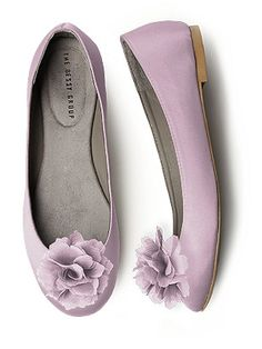 purple wedding shoes, I think I might want some like this with a little heel and darker purple
