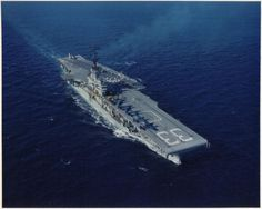 """- USS Kearsarge Used in the movie """"The Caine Mutiny"""" although it did not serve in WWII. It was highly decorated for its service in Korea and Vietnam. Battle Of Tarawa, Vietnam War, Vietnam History, American Aircraft Carriers, Uss Kearsarge, Navy Carriers, Navy Aircraft Carrier, Us Navy Ships, Naval History"""