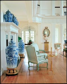 carolyne roehm- love the blue and white soldier jars...