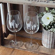 Habt alle einen schönen Abend 💕  #freudenglueck #handmade #individuell #personalisiert #personalisiertegeschenke #genähtes #selbstgemacht #geschenkidee #geschenke #deko #hochzeit #baby #hochzeit2020 #hochzeit2019 #braut #braut2020 #brautkleid #brautoutfit #trauzeugin #baldbraut #bridetobe #weddingwednesday #weinglas #aufdasbrautpaar Wine Glass, Tableware, Baby, Personalized Gifts, Bridle Dress, Homemade, Wedding, Deco, Dinnerware