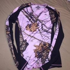 Pink/black Mossy Oak camo long sleeve Never worn! Camouflage Clothing, Cowgirl Clothing, Country Girl Style, Country Girls, My Style, Baseball Tee Shirts, Camo Shirts, Camo Outfits, Cowgirl Outfits