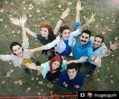 Cok ozledik be. Turkish Men, Turkish Beauty, Turkish Actors, Beautiful Celebrities, Beautiful Actresses, Murat And Hayat Pics, Most Handsome Actors, Emotional Photography, Cute Love Stories