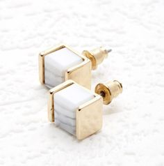 White marble studs earrings with gold accents. Minimal Earrings, Delicate Earrings. Dainty Earrings.