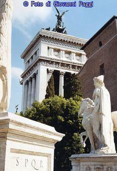 Immagine vista dalla sommità della scalinata del Campidoglio.Roma.by .Giovanni Paggi.