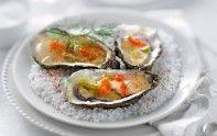 Si vous recevez des invités, commencez le repas en leur proposant des huîtres en gelée de champagne. Une véritable entrée de fête.
