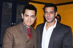 Aamir Khan Sent Salman Khan A Late Night Text Message & Heres What It Was About