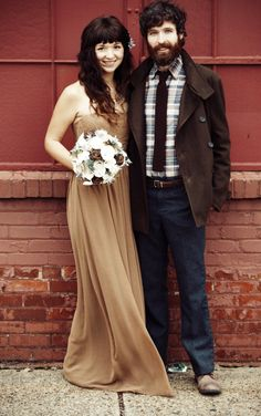 Real Weddings: Hannah & Jesse's Louisville Elopement Ceremony----super cute couple. Alternative Wedding Dresses, Alternative Bride, Pink Wedding Dresses, Cheap Wedding Dress, Wedding Bells, Wedding Day, Wedding Photos, Kentucky, Nontraditional Wedding