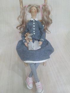 Купить Кукла тильда - кукла Тильда, тильда, джинс, подарок, интерьерная кукла, мишка, книжка