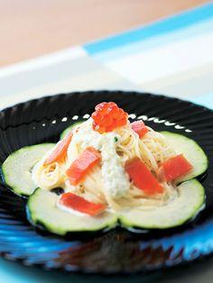 魚介に合うクリーミーなきゅうりのソース 『ELLE a table』はおしゃれで簡単なレシピが満載!