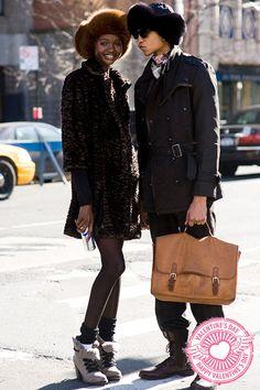 street style, outfit, look, trend , fashion, moda, tendencia, inspiração, get inspired, inspiration, valentines, namorados, boots, botas, fur, pelos, coat, casaco