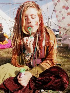 tribalprintedbeauties:    Hippie/ Peace Blog