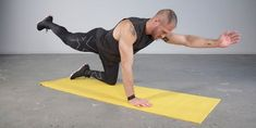 How to Do the Bird Dog Abs Exercise Without Wasting Your Time Men's Health Fitness, You Fitness, Bird Dog Exercise, Conditioning Training, Hip Mobility, Head And Neck, Training Plan, Bad Habits, Football Players