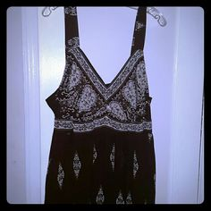 🌟Sale/Dress Offers Welcome, be kind ☺ Long hits calf use for dress up or casual  either way it's beautiful handkerchief hemline, no stains or discoloration,  pet and smoke free home silhouettes  Dresses Asymmetrical