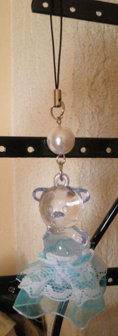 bijou de téléphone portable nounours tutu bleu turquoise dentelle-perle blanche