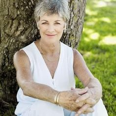 Graying happens in women at a variety of ages. #womengrayhair http://bit.ly/1vdMRVK