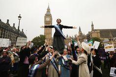 전 세계에서 시위 중인 여성들의 강렬한 사진들 60장