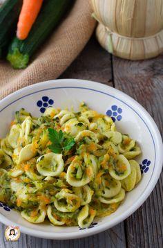 Pasta risottata con zucchine e carote - Orecchiette cremose Ricetta veloce