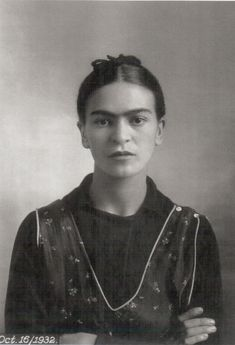 """""""I paint self-portraits, because I'm so often alone, because I am the person I know best."""" – Frida Kahlo. Artist Frida Kahlo was considere. Diego Rivera, Mexican Artists, Mexican Folk Art, Frida Kahlo Portraits, Kahlo Paintings, Munier, Frida And Diego, Frida Art, Black And White Portraits"""