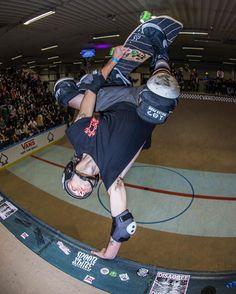 Hashtag #aubytaylor en Instagram • Fotos y vídeos Action Photography, Eggplants, Old School, Skateboard, Basketball Court, Instagram, Sports, Green, Skateboarding