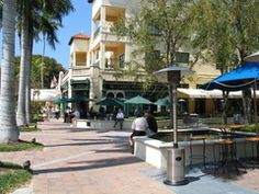 McCabes Irish Pub, Naples Florida.. Fun place to eat!