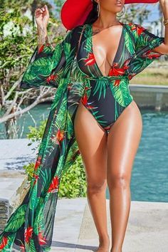 Tropical Print Beach Robe Cover Up & Plunging Halter Neck Swimsuit - Whatlovely Mode Outfits, Fashion Outfits, Style Fashion, Woman Outfits, Fashion Moda, Club Outfits, Modest Fashion, Fashion Tips, Outfit Strand