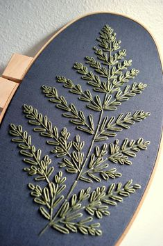 Giant Fern Embroidery Hoop Art Botanical Wall Art Plant Wall Hanging Plant Lover Minimalist Artwork Nature Inspired Home Decor Simple Flower Embroidery Designs, Simple Embroidery, Hand Embroidery Stitches, Crewel Embroidery, Embroidery Hoop Art, Hungarian Embroidery, Embroidery Jewelry, Ribbon Embroidery, Embroidery Ideas