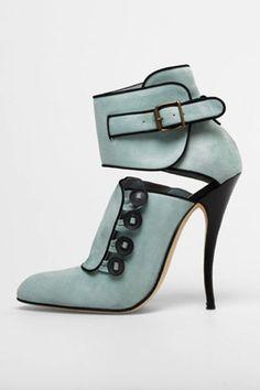 Manolo Blahnik #Shoes #Fashion @n17dg with <3 from JDzigner www.jdzigner.com